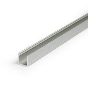 Pinta-asennettava, siro & yksinkertaisen mallinen 12x12mm LED-profiili LED-nauhalle kolmessa värissä.
