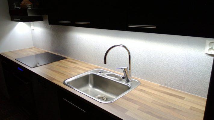 Keittiövalaistus LED-nauhalla